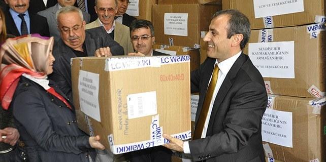 Seydişehir'de ihtiyaç sahibi öğrencilere giyecek yardımı