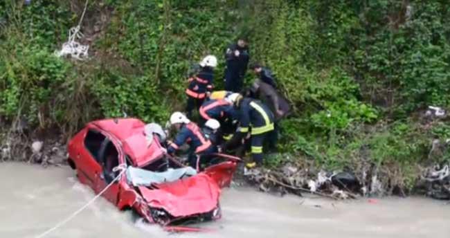 Trabzon'da otomobil devrildi: 1 ölü