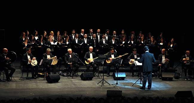 """""""Türk Dünyası Türk Halk Müziği Korosu"""" konseri"""