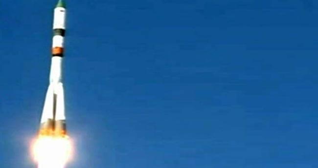 Uzay mekiği Dünya'ya düşecek
