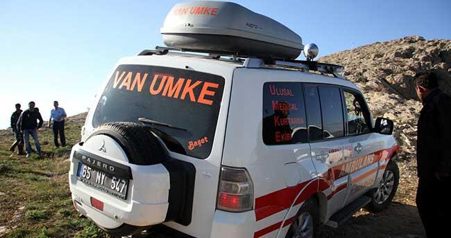Van'da kayalıklarda mahsur kalan 2 çocuk kurtarıldı