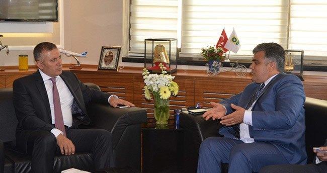 Ak parti il başkanı Arat'tan Başkan Özgüven'e Ziyaret