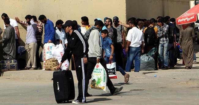 Akçakale'de yaşayan bir grup Suriyeli ülkesine döndü