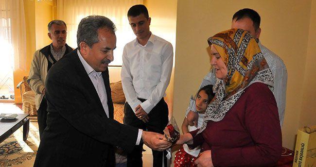 Başkan Akkaya Şehit Annelerini Unutmadı