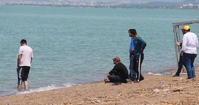 """Beyşehir Gölü'nde """"yüzme sezonu"""" erken açıldı"""