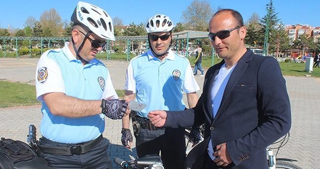 Beyşehir'de parklarda bisikletli polis dönemi