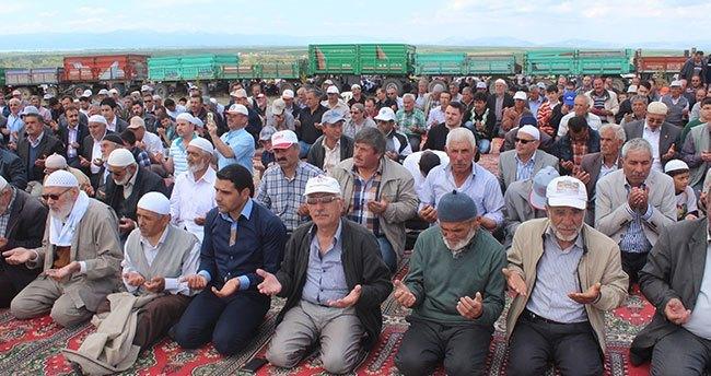 Beyşehirli çiftçiler şükür duasına çıktı
