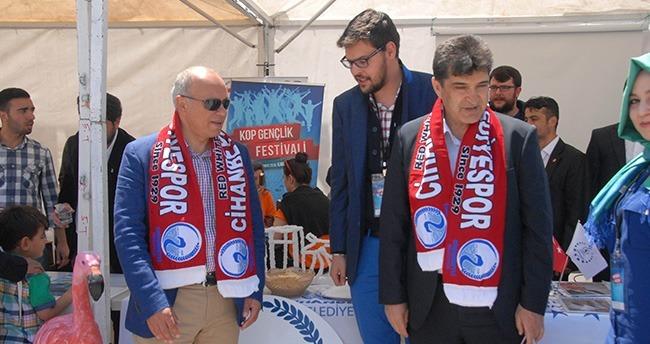 Cihanbeyli Belediyesi Standına Büyük İlgi