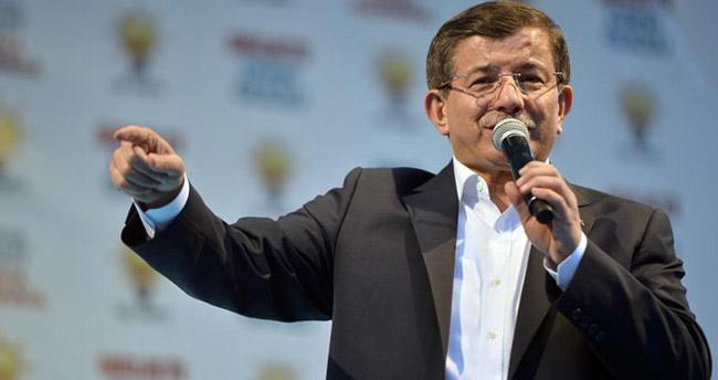 Davutoğlu: Durdurulan MİT TIR'larında ne olduğu kimseyi ilgilendirmez