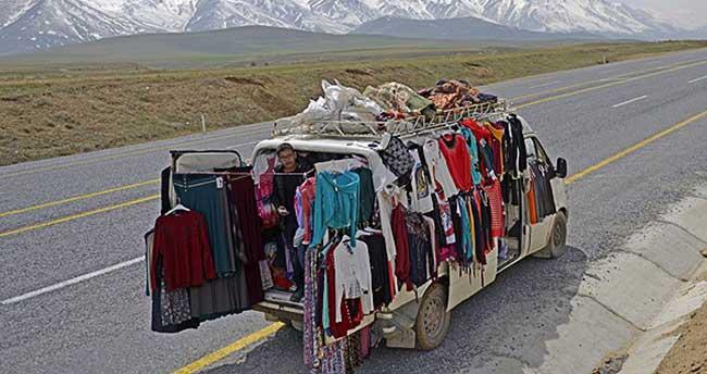 """Depremde iş yeri hasar gördü """"mobil"""" satışa başladı"""