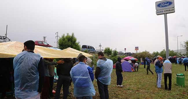 Eskişehir'deki otomotiv işçilerinin iş bırakma eylemi