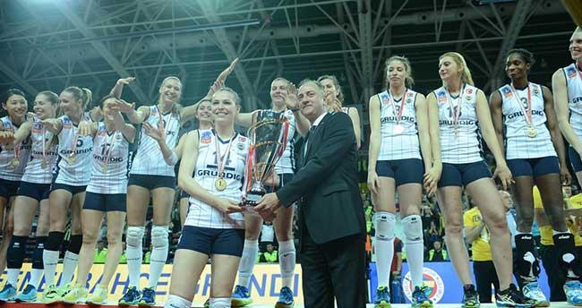 Fenerbahçe Grundig, şampiyonluk kupasına kavuştu