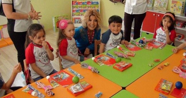 Gülben Ergen Akşehir'de Okul Açtı