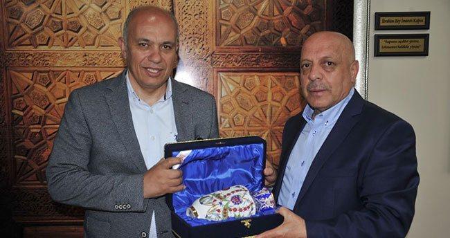 Hak-İş Genel Başkanı Arslan'dan Başkan Çalışkan'a ziyaret
