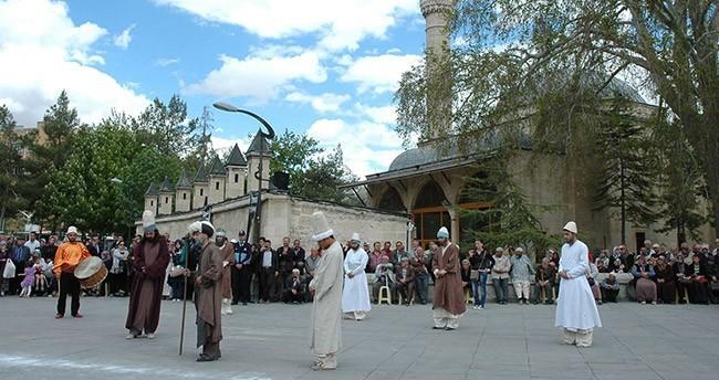Hz. Mevlana temsili bir törenle Karaman'dan uğurlanacak