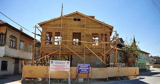 İki asırlık ev aslına uygun şekilde yeniden yapılıyor