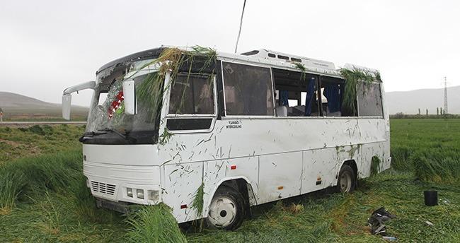 karamanda-isci-midibusu-devrildi-22-yarali-3
