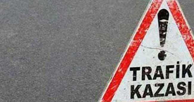Kırşehir'de otomobil şarampole devrildi: 3 yaralı