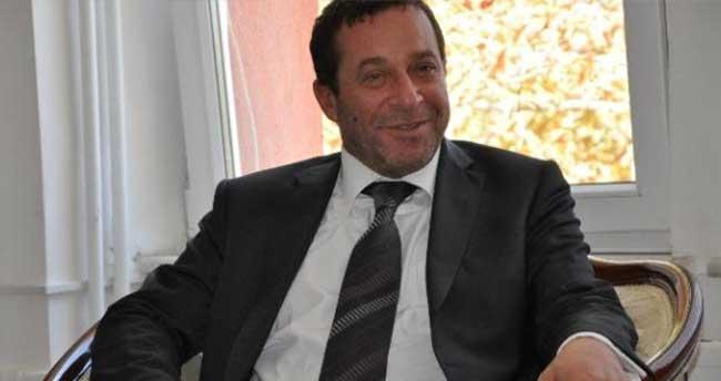 KKTC'de Başbakan yardımcısı Serdar Denktaş görevinden istifa etti