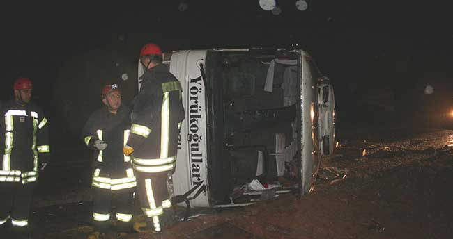 Konya'da düğün yolunda kaza: 1 ölü, 11 yaralı