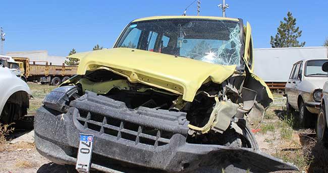 Konya'da kamyonet ile pikap çarpıştı: 3 yaralı