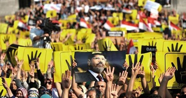 Konya'da Mursi hakkında idam kararına protesto