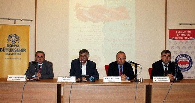 Konya'da Yeni Anayasa ve Başkanlık Sistemi Konulu Panel Düzenlendi