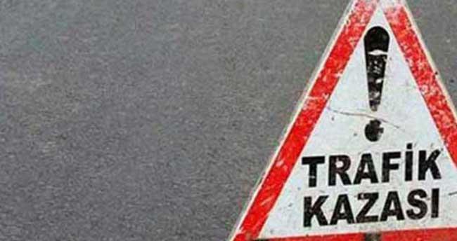 Motosiklet bariyere çarptı: 2 ölü