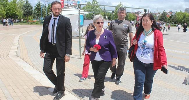 Prof. Dr. Canan Karatay Beyşehir'de Kitaplarını İmzaladı