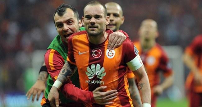 Sneijder'den 100 maçta 50 gole katkı