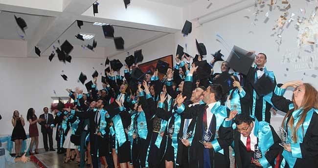 SÜ Beyşehir Ali Akkanat Turizm Fakültesi'nde mezuniyet heyecanı