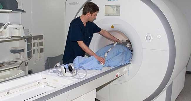Tamamı MR içerisinde beyin biyopsisi Türkiye'de