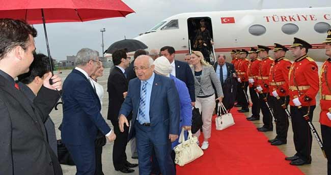 TBMM Başkanı Çiçek, Arnavutluk'a geldi