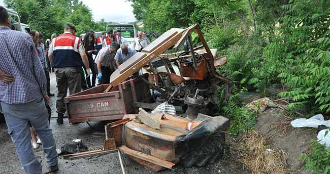 Traktörle tanker çarpıştı: 3 ölü