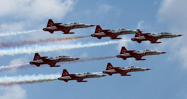 Türk Hava Kuvvetleri'nden gövde gösterisi – Foto Galeri