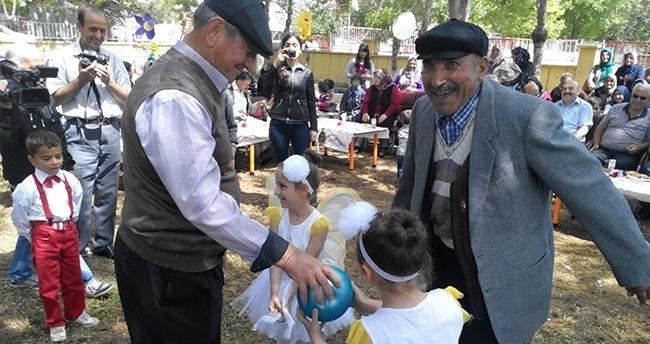 """Tuzlukçu'da """"Okul Öncesi Kuşaklar Buluşması"""" şenliği"""
