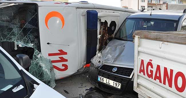 Yozgat'ta ambulansla otomobil çarpıştı: 1 ölü 3 yaralı