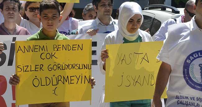 11 yaşındaki Yavuz'dan protestoya damga vuran döviz