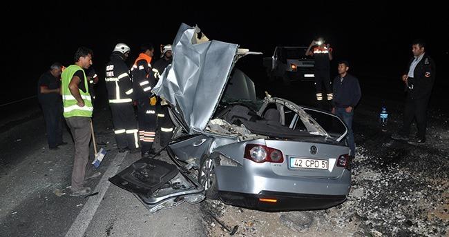 Aksaray'da otomobil tıra çarptı: 1 ölü, 3 yaralı
