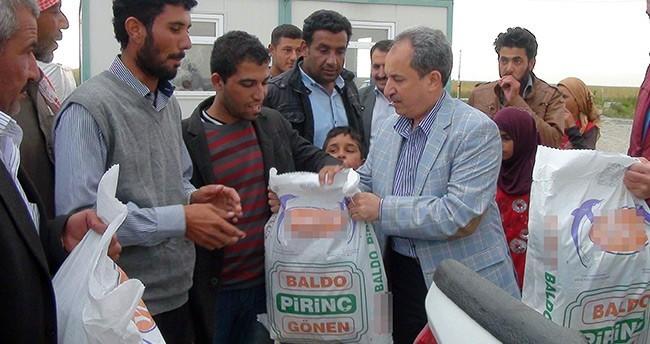 Akşehir Belediyesi'nden Tarım İşçilerine Erzak Yardımı