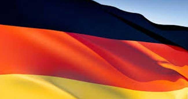 Almanya israf batağında