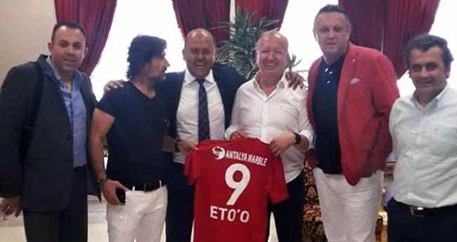 Antalya'da Eto'o forması hazır, kendisi bekleniyor