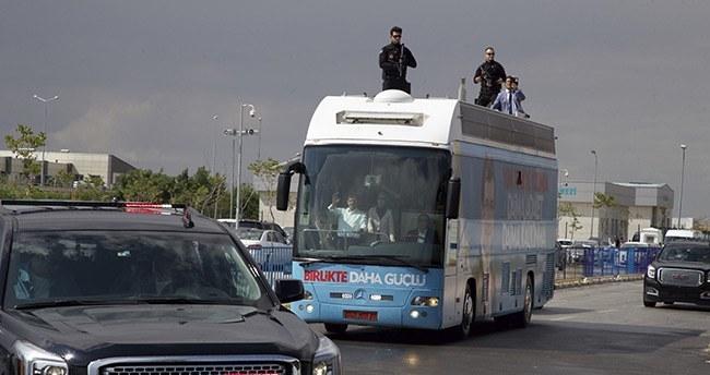 Başbakan Davutoğlu Antalya'dan Konya'ya geldi