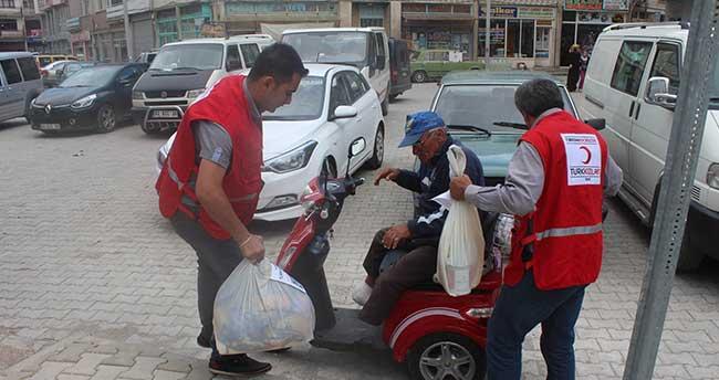 Beyşehir'de Kızılay'dan Ramazanda İhtiyaç Sahiplerine Yardım Eli