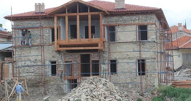Beyşehir'de tarihi yapılar canlandırılıyor