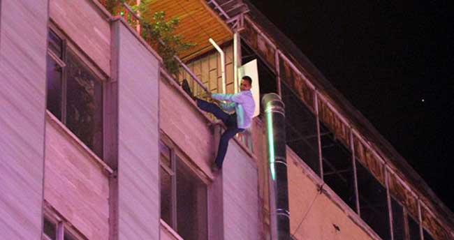 Bunalıma giren şahıs yedinci kattan atladı
