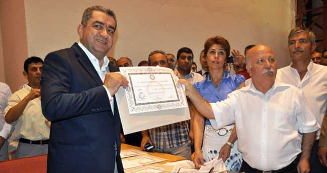 CHP lideri mazbatasını aldı