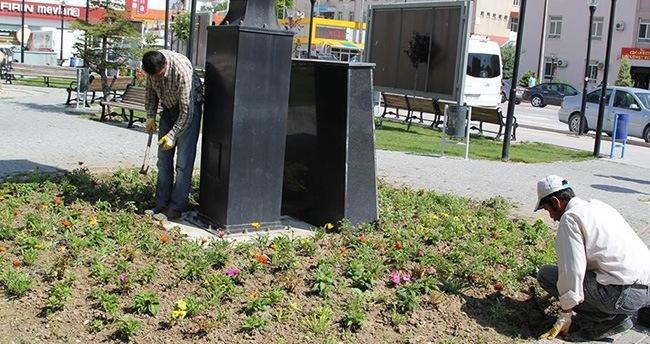 Cihanbeyli'ye 5 Bin çiçek fidası dikiliyor