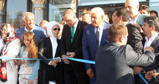 Cumhurbaşkanı Erdoğan Midyat'ta cami açılışı yaptı