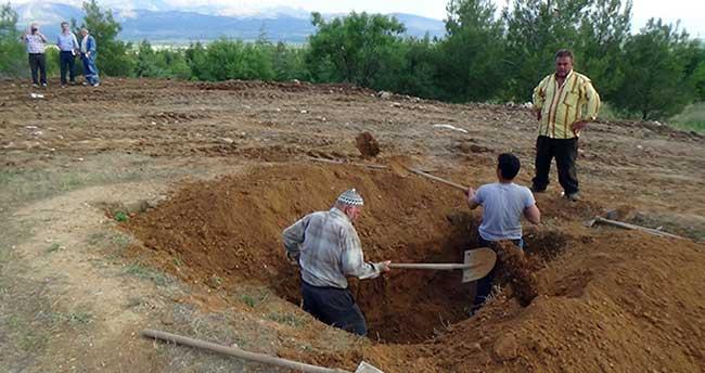 Demirel'in defnedileceği mezar kazıldı